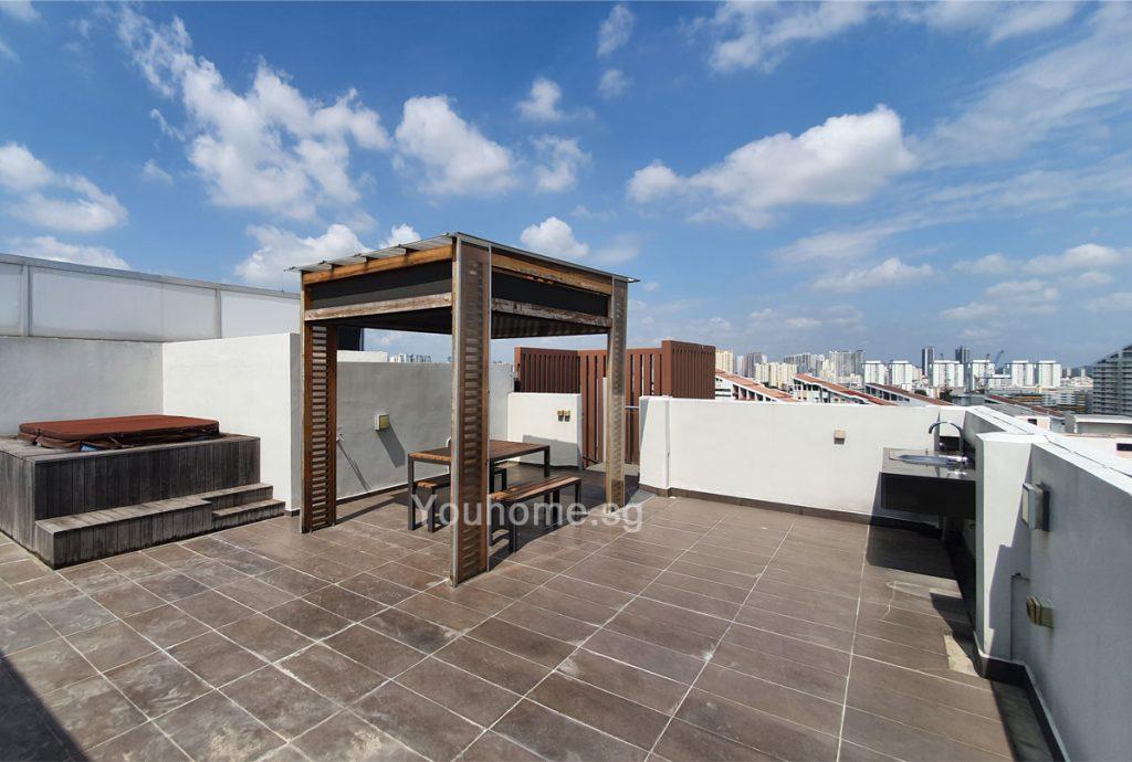 nin-residence-roof