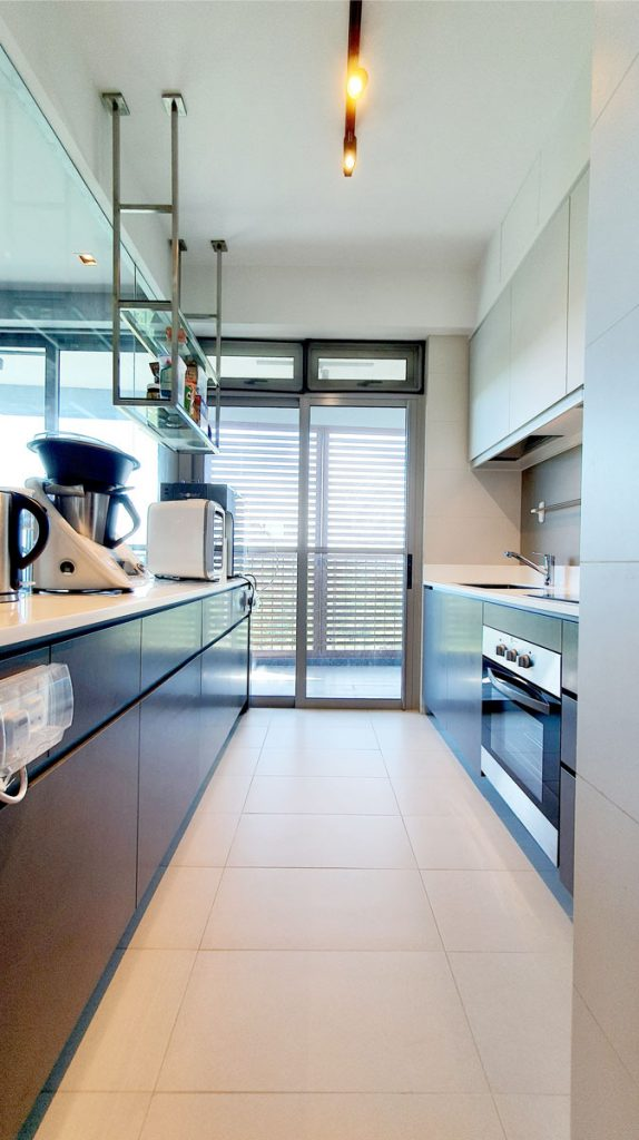 q-bay-kitchen